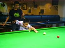 余軒朗 Stanley Yu coaching Leong Man Hoi.