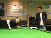 Mr. Chris Henry of Acuerate Cue demonstrates cueing techniques.